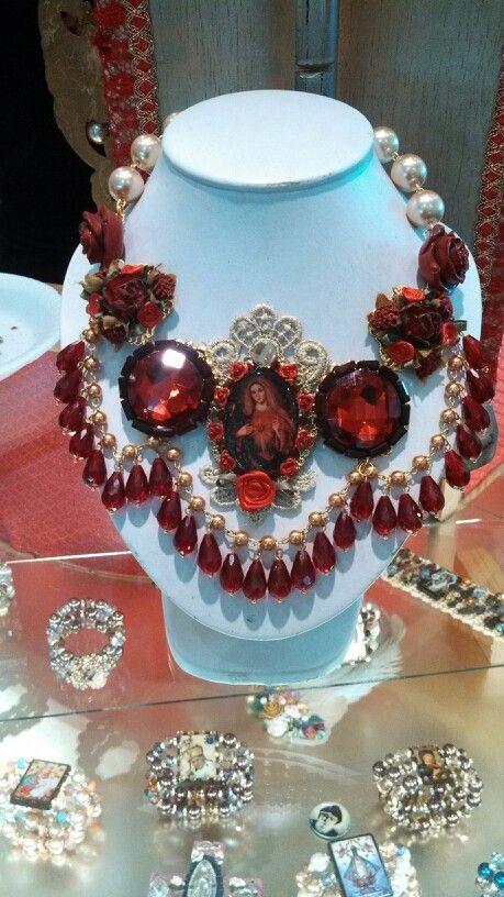 Collar Virgen Inmaculada del Sagrado corazón de Jesús diseñado por Deseos Divinos#Guadalajara