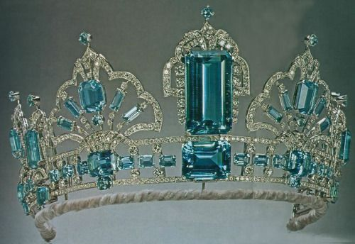 British Royal Jewels - The Brazilian Aquamarine and Diamond Parure