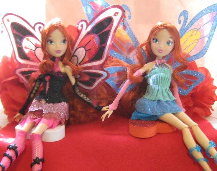 A side-by-side with the regular Bloom Enchantix doll