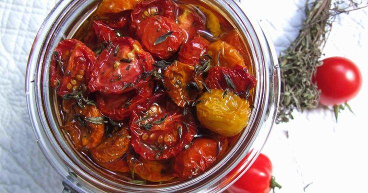 La recette des tomates confites etmarinées à l'huile d'olivea fait le tour des blogs cet été. Je l'ai enfin réalisée, en version mini. Hyp...