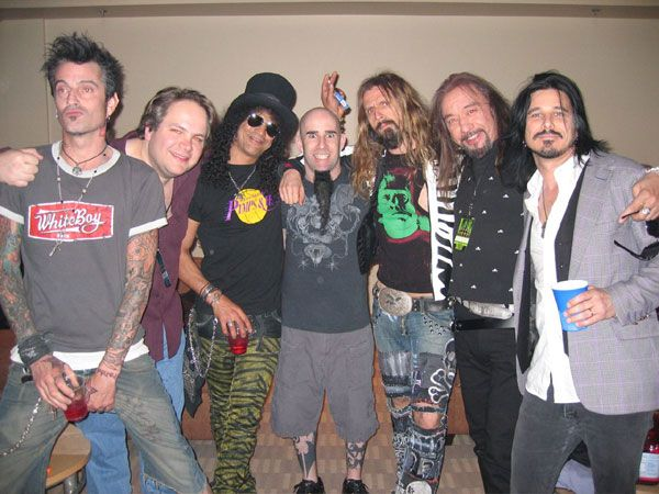 Slash and Gilby Clarke with Tommy Lee, Eddie Trunk ,Scott Ian, Rob Zombie and Ace Frehley