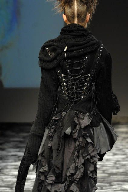 H Naoto - Ready-to-Wear - Runway Collection - Women  Fall / Winter 2008