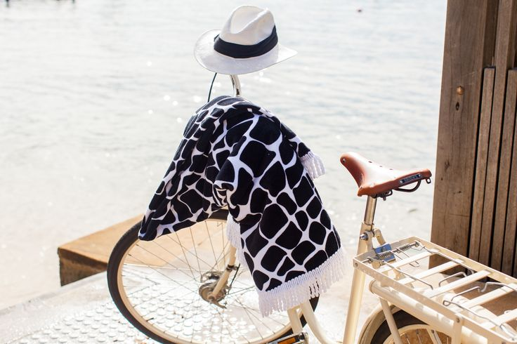 our new round beach towels: Cape Town in black&white