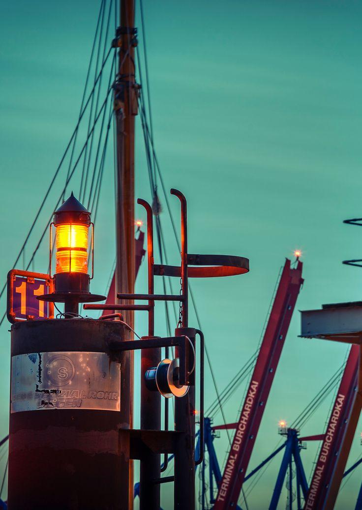 Hamburger Hafen Positionslichter am Burchardkai   Bildschönes Hamburg