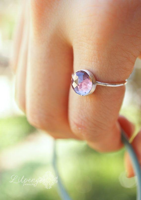 Alexandrite - bague alexandrite facettes 8mm. anneau de pierre gemme de tassement. changeant de couleur