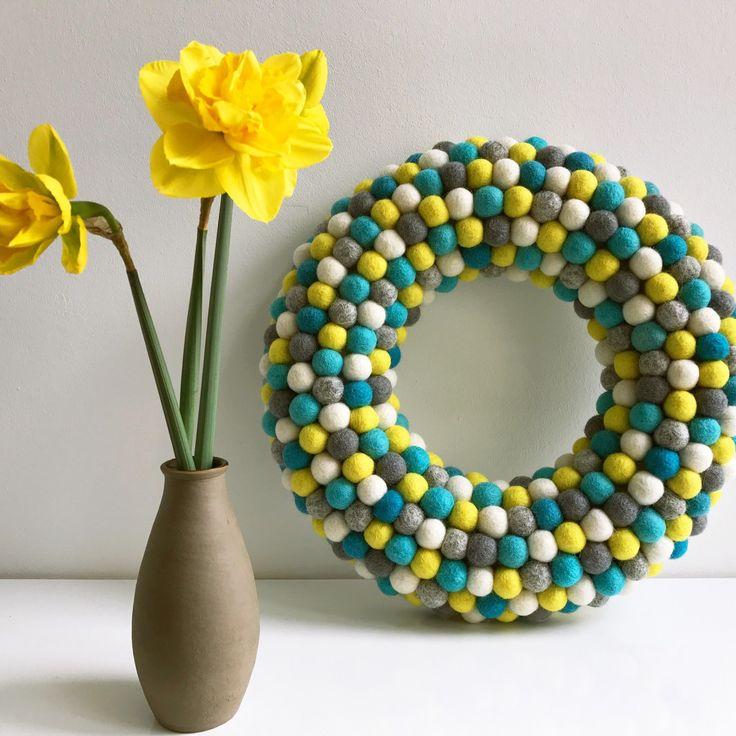 how to make a felt ball wreath