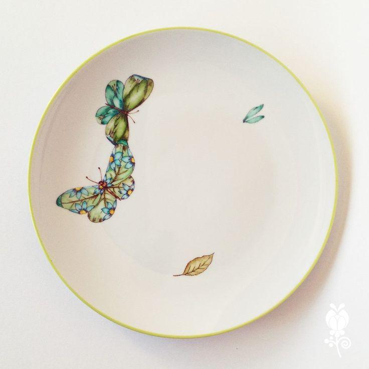 Plato de juego de 3 piezas pintadas a mano en kalocsa - Vajillas pintadas a mano ...