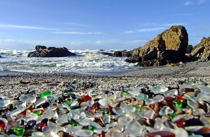 Glass Beach (Plaja de Sticlă) - locuri frumoase