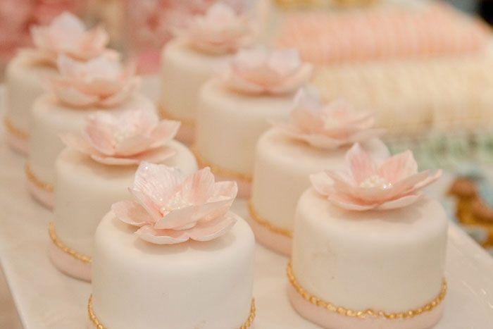 I'm really enjoying this lovely idea of a mini cake