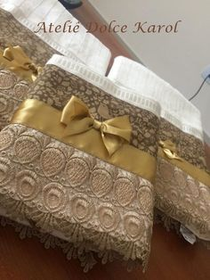 Resultado de imagem para toalhas de banho decoradas com renda guipir