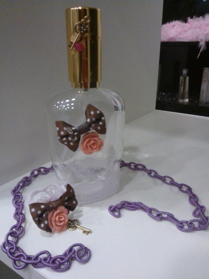 Bonito conjunto verdad? Y ademas puedes poner tu perfume a cada #joyaperfumada #shopping #chic #elegancia #tendencia
