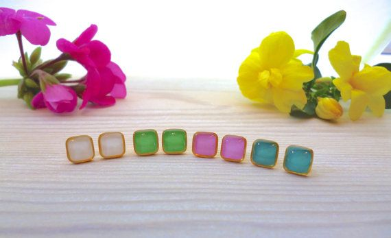 Hey, I found this really awesome Etsy listing at https://www.etsy.com/listing/269678253/tiny-square-stud-earrings-square-studs