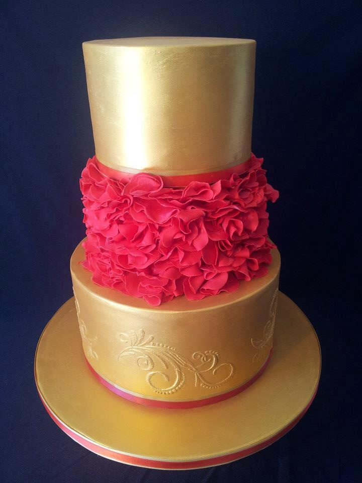 hot pink and gold wedding cake 1000 ideas about pink cakes on zebra 15331
