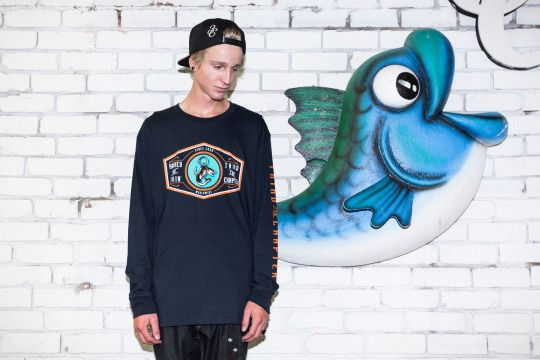 Hooked On Livin' - Big Fish Small Pond L/S #thirdchapter #3rdchapter #3C #streetwear #clothing #longsleve #bigfishsmallpond