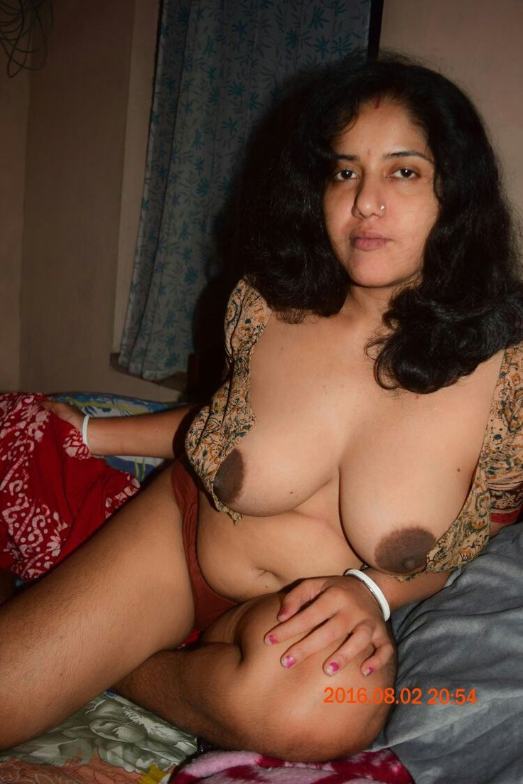 Rear entry for nude bhabhis