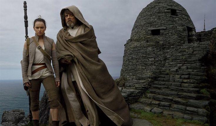 Star Wars supera a Harry Potter y ya es la segunda franquicia más taquillera de la historia  ||  Star Wars: Los últimos Jedi continúa rompiendo récords. La última entrega de la saga galáctica ya ha superado los mil millones de dólares en la taquilla... http://www.europapress.es/cultura/cine-00128/noticia-star-wars-supera-harry-potter-ya-segunda-franquicia-mas-taquillera-historia-20180103103430.html?utm_campaign=crowdfire&utm_content=crowdfire&utm_medium=social&utm_source=pinterest