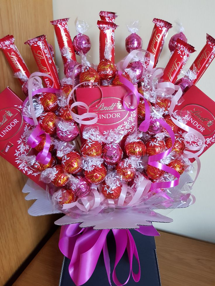 Lindt Lindor Chocolate Bouquet with a hint of strawberries