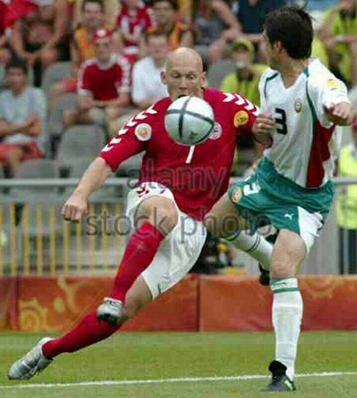 Denmark 2 Bulgaria 0 in 2004 in Braga. Thomas Gravesen flicks the ball over Rosen Kirilov in Group C at Euro 2004.