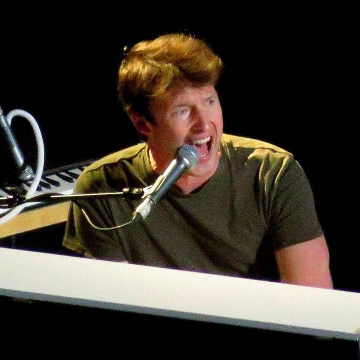 James Blunt Nashville Tennessee 10-7-2017  #jamesblunt #jamesbluntconcert #edsheeranconcert #nashvilletn #bridgestonearena #livemusic #concert #music