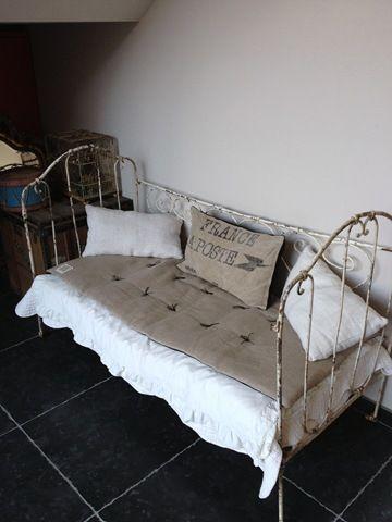 stunning lit en fer forg u with lit fer forg maison du monde. Black Bedroom Furniture Sets. Home Design Ideas