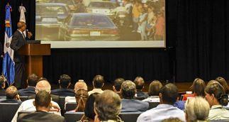 Los tapones generan pérdidas en el país por más de RD$48 millones al día SANTO DOMINGO.Un estudio presentado ayer por la Fundación Walter Palm sobre el tránsito en la República Dominicana arrojó que por causa de los tapones, el país pierde diariamente la suma RD$48,484,217.