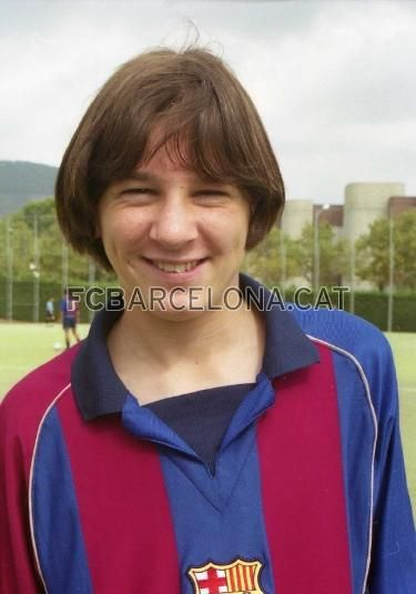 Messi in 2001. Smooth.