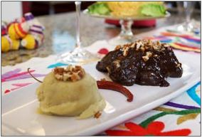 Pollo en salsa de ciruela pasa y puré de camote Programa Tu Cocina - Tercera Temporada http://www.oncetv-ipn.net/cocina/mostrar_reg.php?cv=11888&v=b