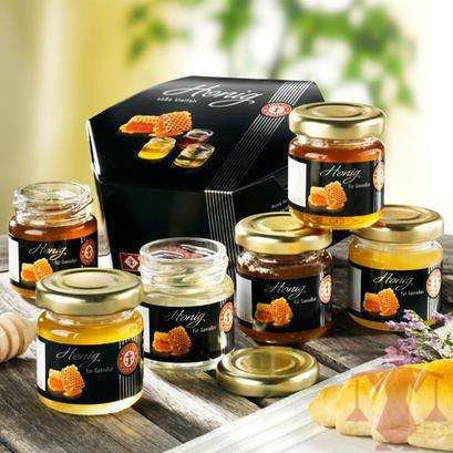 6 feine Honigsorten für die süße Abwechslung. Orangenblüten-, Heide-, Lindenblüten-, Kastanien-, Akazienhonig und Schwarzwälder Tannenhonig.
