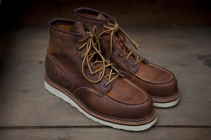 Red wing boots. http://redwingshoestoreamsterdam.tumblr.com/post/27324449461/now-available-at-the-red-wing-store-amsterdam-red