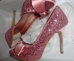 pink glitter: Pink Sparkle, Wedding Shoes, Sparkly Shoes, Pink Heels, Glitter Shoes, Bows, Pink Glitter, Pink Shoes, Girls Shoes