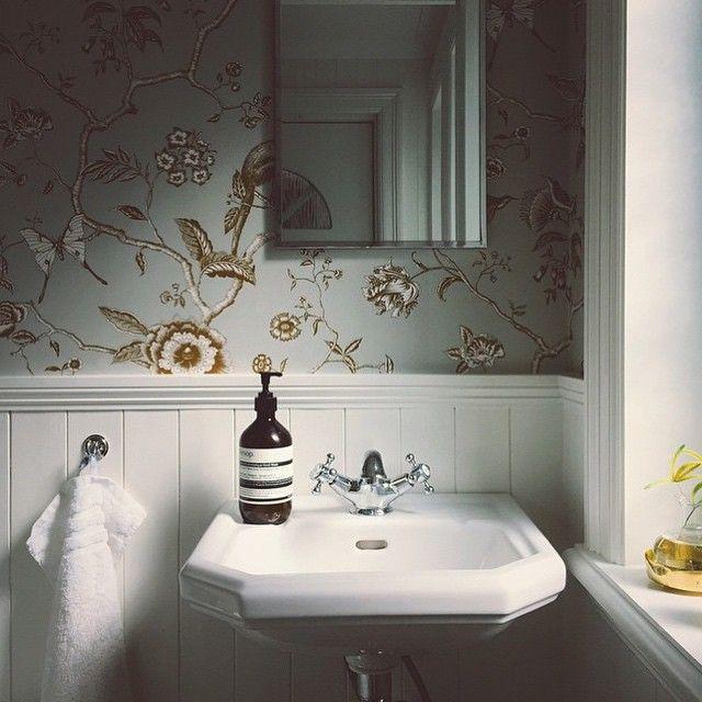 Tapet Pierre Frey i butik och online hos Engelska Tapetmagasinet | Badrum | Tapeter | Väggpanel | Gästtoalett | Göteborg |  Wallpaper | Bathroom | Classic |