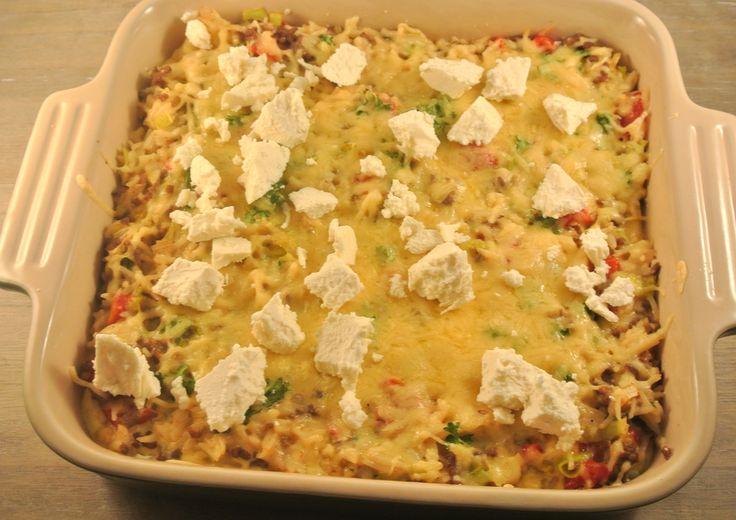 rijstschotel met gehakt, prei en paprika