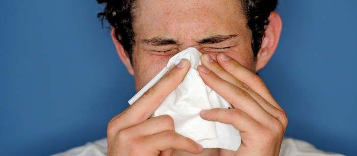 <p>Algumas plantas medicinais que podem ser utilizadas como remédio caseiro para tosse alérgica, caracterizada por uma tosse seca que dura muitos dias, são a urtiga, a rorela e a tanchagem. Remédio caseiro para tosse alérgica com urtiga Um bom remédio caseiro para a tosse alérgica pode ser o chá de …</p>