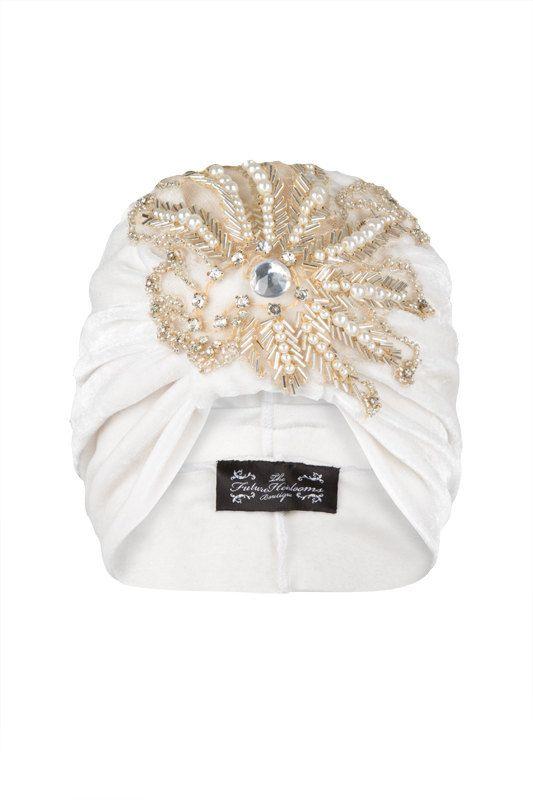 Crème velours Turban avec élégant coordination perle appliqués