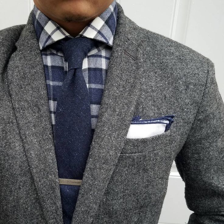 Shirt: @suitsupply Pocket square: @bows_n_ties Tie: @expressmen Jacket: @gap #dressedchest #Elegance #Fashion #Menfashion #Menstyle #Luxury #Dapper #Class #Sartorial #Style #Lookcool #Trendy #Bespoke #Dandy #Classy #Awesome #Amazing #Tailoring #Stylishmen #Gentlemanstyle #Gent #Outfit #TimelessElegance #Charming #Apparel #Clothing #Elegant #Instafashion