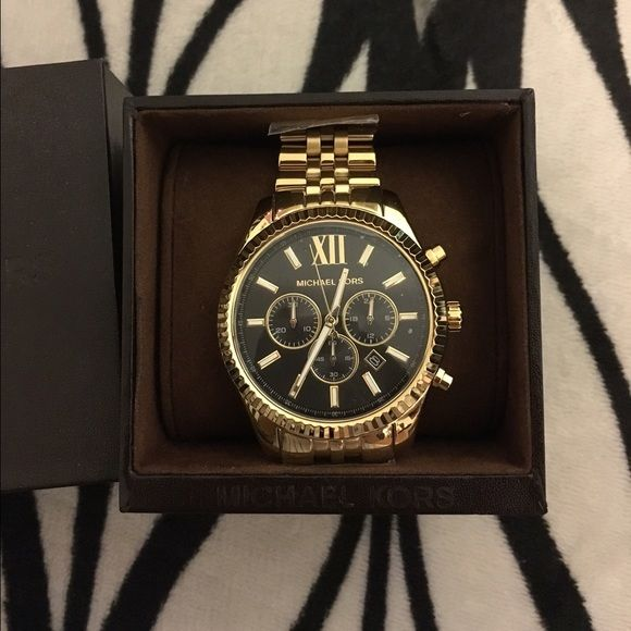 NEW Lexington Michael Kors Gold Watch I am currently only looking to sell this watch and my price is firm. This is new in box. It's a men's watch, but suitable for females too. Authentic. Currently retails on michaelkors.com for $275 pre tax. Store style: MK8286. Michael Kors Accessories Watches