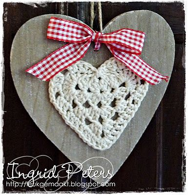 Heart on wood. Pattern for the heart here http://theroyalsisters.blogspot.com/2009/12/grandma-hearts-tutorial.html