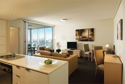 Oaks On Lonsdale is located in central Melbourne, close to Princess Theatre, Bourke Street Mall, and Federation Square.