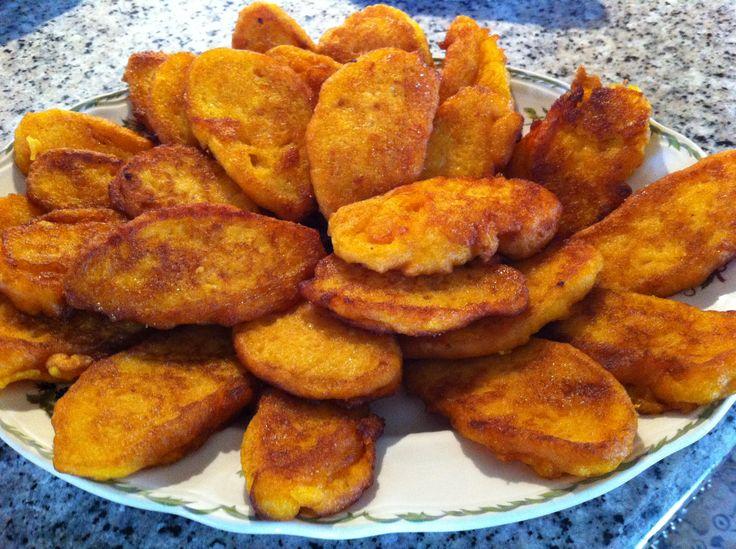 Chulas de Calabaza, postre típico gallego. Ver receta en http://blog.unamesaporfavor.com/como-hacer-chulas-de-calabaza/