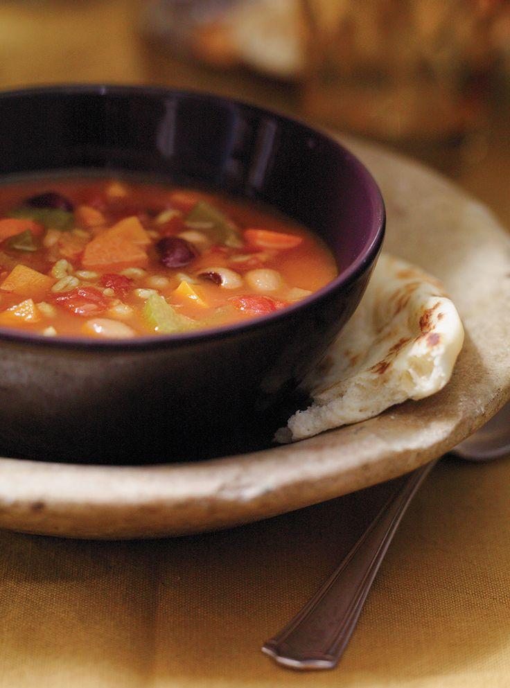 Recette de Ricardo: Soupe-repas aux légumineuses et au curcuma