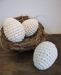 Woollen easter eggs