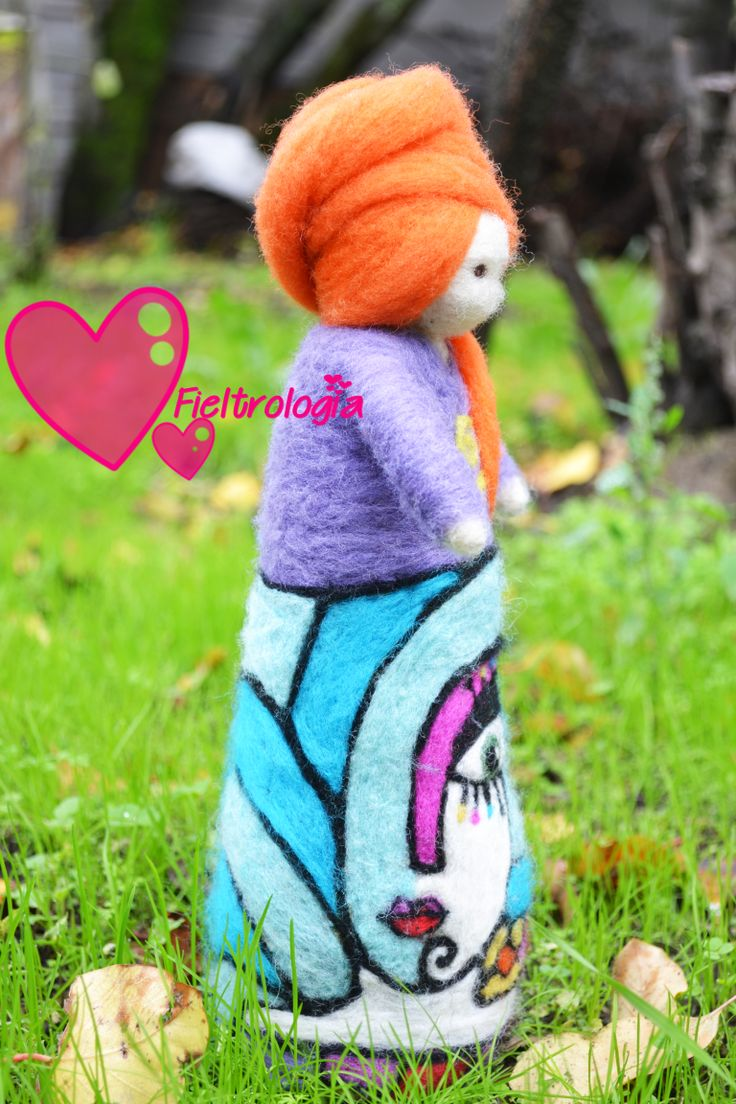 Lady Carrot, needle felted doll www.facebook.com/fieltrologia Chile