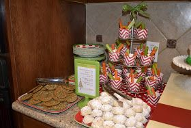 yOuR liTtLe BiRdiE: Merry and Bright: Kid's Christmas Party Food