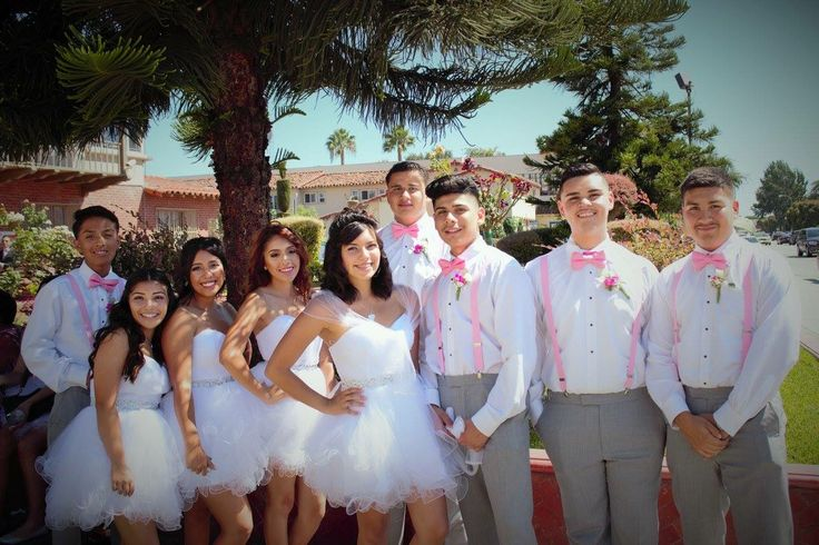 Damas and chambelanes | Sweet 16 pictures by mom in 2019 ...