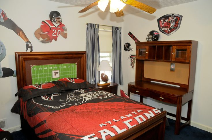 falcons room from rooms to go falcons living pinterest