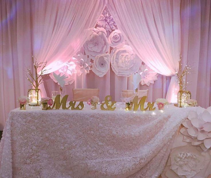 Head Decorations Unique Table