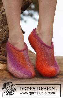 """Felted DROPS slippers in """"Big Delight"""". Size 35 – 44. ~ DROPS Design"""