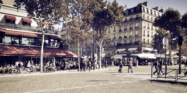 Café - Place de l'Ecole Militaire.