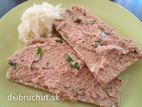 Fotorecept: Rybí pomazánka s tofu sýrem a bazalkou