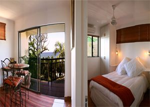 69 Strand (3 x Self-Catering Units) offers you a sensational break away, overlooking the tranquil Indian Ocean. Our 3 self-catering accommodation units are located in the Brighton Beach suburb of the Bluff, which is a mere 15 minutes outside of the vibrant city centre of Durban.